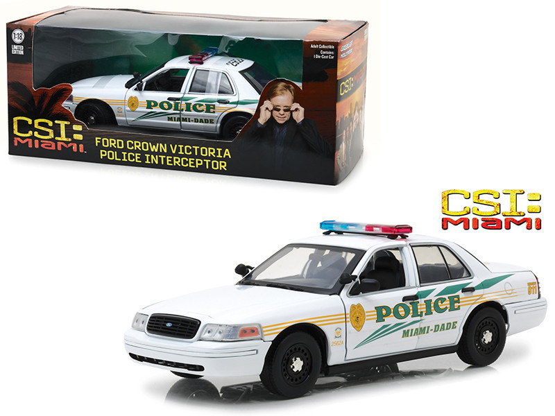 Ford Crown Victoria Police Interceptor Miami Dade Police White CSI Miami 2002 2012 TV Series 1/18 Diecast Model Car Greenlight 13514