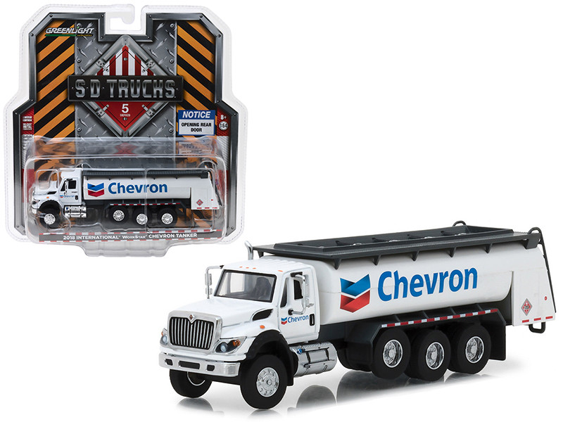 2018 International WorkStar Tanker Truck Chevron White SD Trucks Series 5 1/64 Diecast Model Greenlight 45050 C