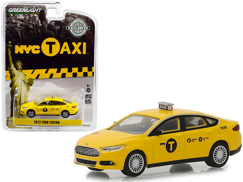 2013 Ford Fusion NYC Taxi New York City Yellow Hobby Exclusive 1/64 Diecast Model Car Greenlight 30011