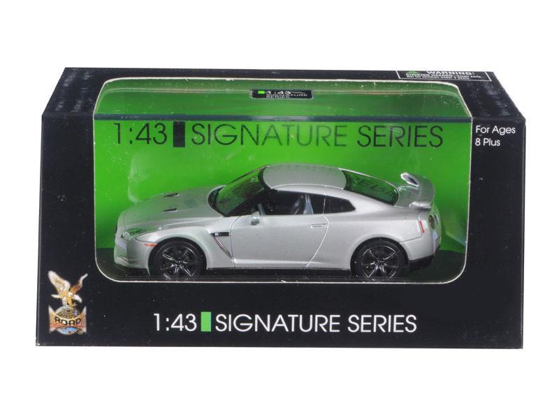 Nissan GT-R R35 Silver 1/43 Diecast Model Car Road Signature 43203