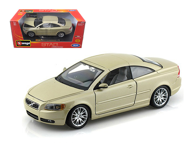 Volvo C70 Coupe Gold 1/24 Diecast Model Car Bburago 22100