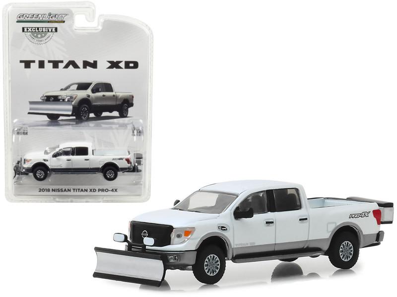 2018 Nissan Titan XD Pro-4X Pickup Truck Snow Plow Salt Spreader Metallic White Hobby Exclusive 1/64 Diecast Model Car Greenlight 30021