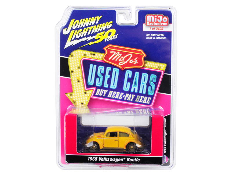 1965 Volkswagen Beetle Rusted Yellow Used Cars Series Limited Edition 2400 pieces Worldwide 1/64 Diecast Model Car Johnny Lightning JLCP7220
