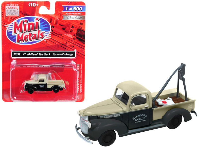 1941 1946 Chevrolet Tow Truck Harmond's Garage Black Cream 1/87 HO Scale Model Car Classic Metal Works 30552