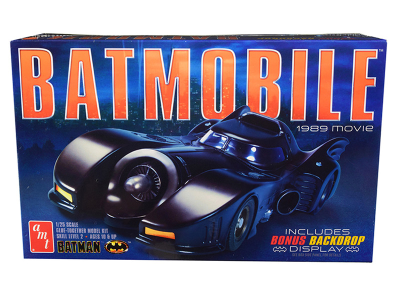 Skill 2 Model Kit Batmobile Batman 1989 Movie Backdrop Display 1/25 Scale Model AMT AMT935