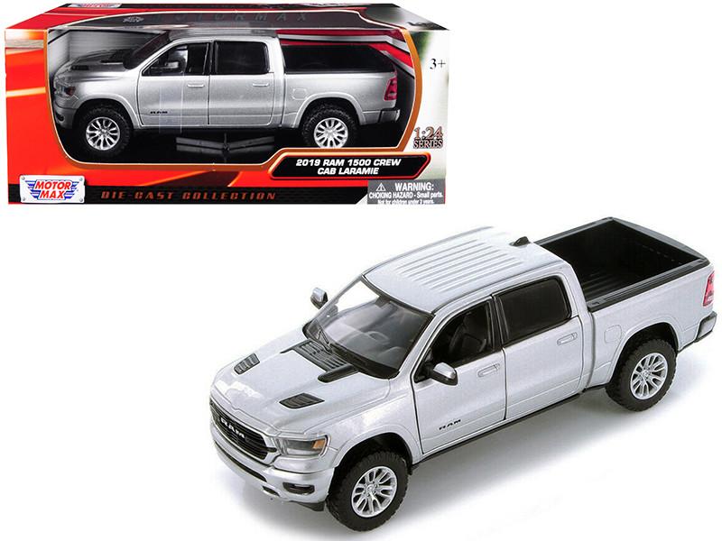 2019 RAM 1500 Crew Cab Laramie Pickup Truck Silver 1/24 Diecast Model Car Motormax 79357