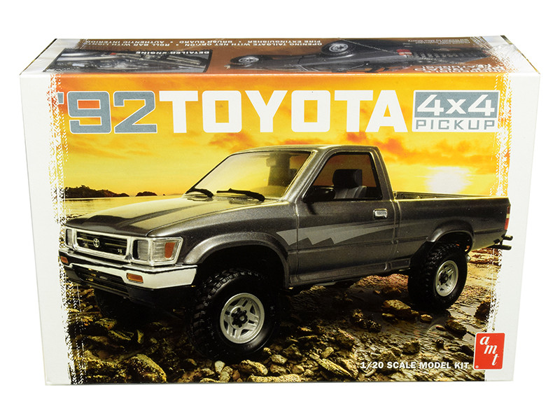 Skill 2 Model Kit 1992 Toyota 4x4 Pickup Truck 1/20 Scale Model AMT AMT1082