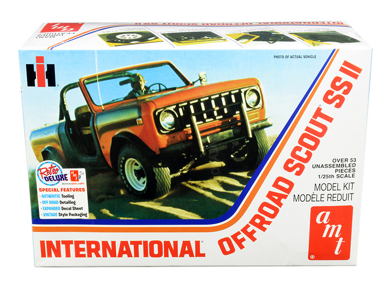 Skill 2 Model Kit IH International Off Road Scout SS II 1/25 Scale Model AMT AMT1102