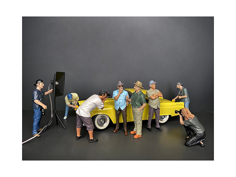 Weekend Car Show 8 piece Figurine Set for 1/18 Scale Models American Diorama 38209 38210 38211 38212 38213 38214 38215 38216