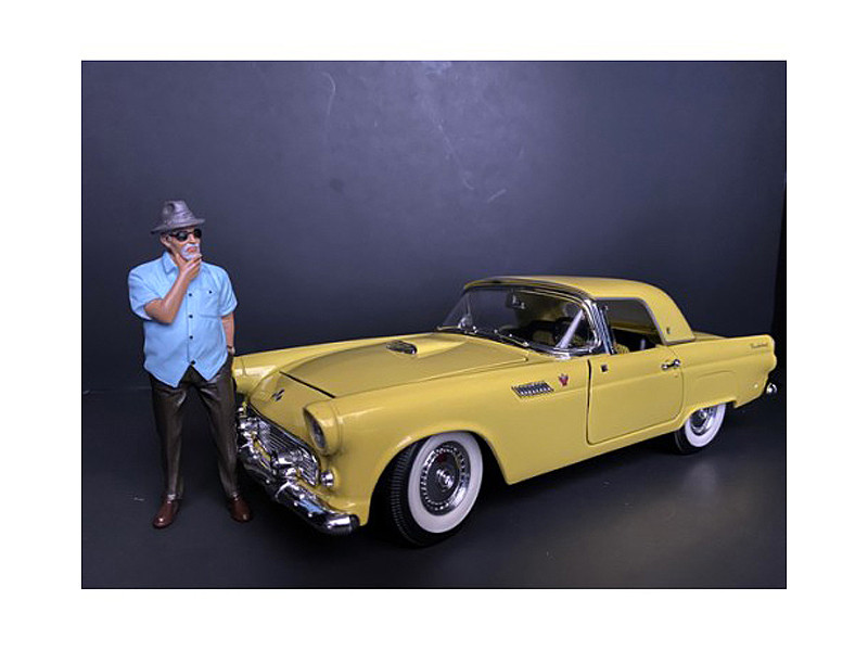 Weekend Car Show Figurine I for 1/24 Scale Models American Diorama 38309