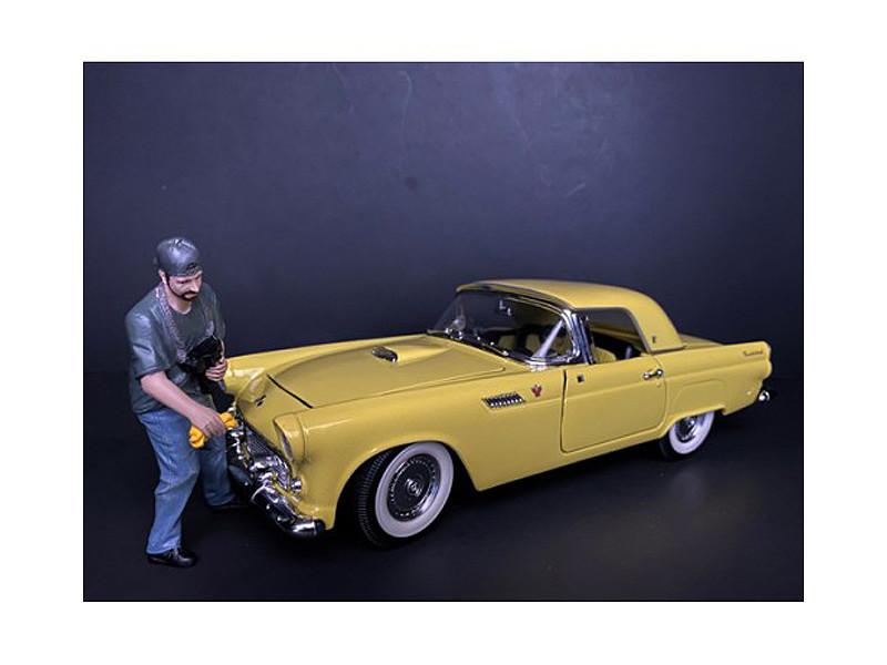 Weekend Car Show Figurine VII for 1/24 Scale Models American Diorama 38315