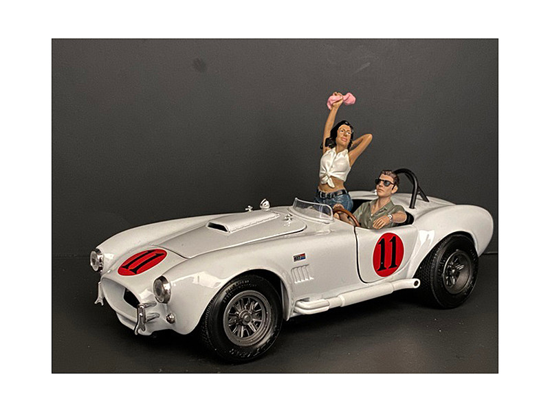 Seated Couple Release IV 2 piece Figurine Set for 1/24 Scale Models American Diorama 38319 38320