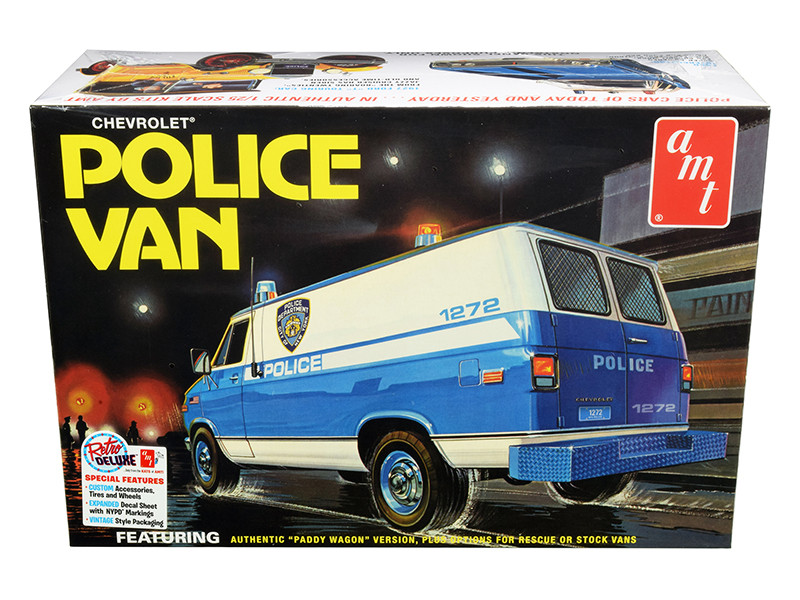Skill 2 Model Kit Chevrolet Police Van NYPD New York City Police Dept 1/25 Scale Model AMT AMT1123