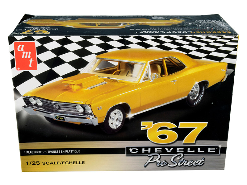 Skill 2 Model Kit 1967 Chevrolet Chevelle Pro Street 1/25 Scale Model AMT AMT876 M