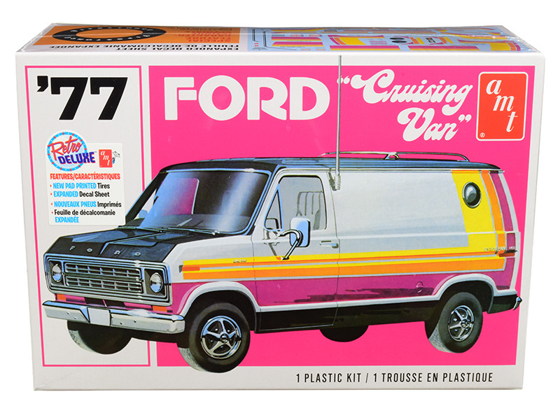 Skill 2 Model Kit 1977 Ford Cruising Van 1/25 Scale Model AMT AMT1108 M