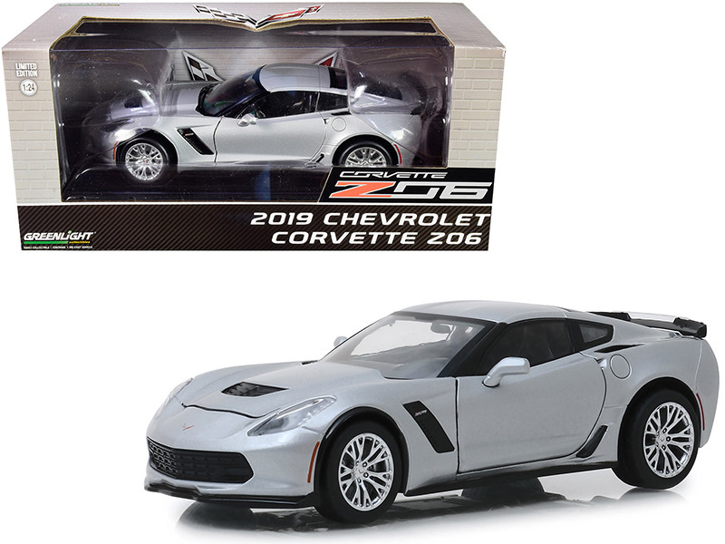 2019 Chevrolet Corvette Z06 Coupe Blade Silver Metallic 1/24 Diecast Model Car Greenlight 18256