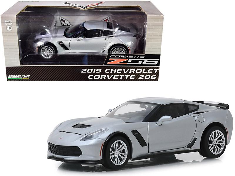 2019 Chevrolet Corvette Z06 Coupe Blade Silver Metallic 1/24 Diecast Model Car Greenlight 18256