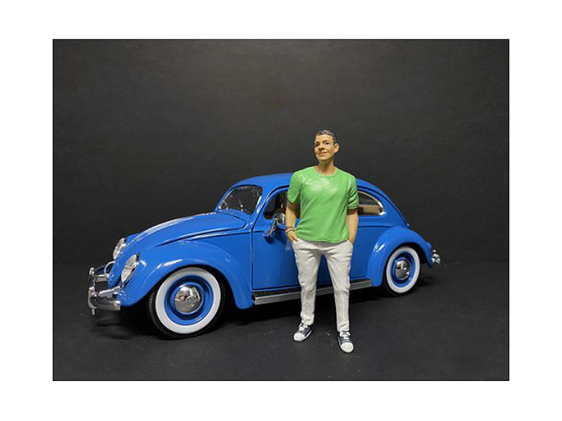 Partygoers Figurine IX for 1/24 Scale Models American Diorama 38329