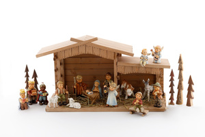 Hummel Crèche (HUM 2230) 17 figurines with stable