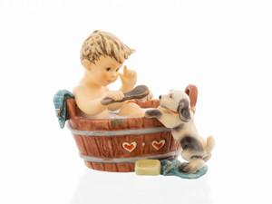 Bath and Puppy- Hum 2281