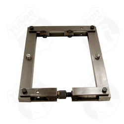 Differential Housing Spreader for Dana 30, 44, 60, 61, 70, and 80. The Yukon Differential Housing Spreader allow you to safely & easily set carrier bearing preload, saving time and money. No return. This tool is not compatible with Corvette housings.