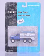 1/64 Delhi Dairy Truck