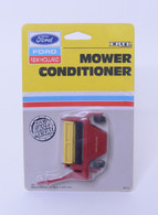 1/64 New Holland Mower Conditioner