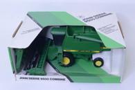 1/28 John Deere 9500 combine