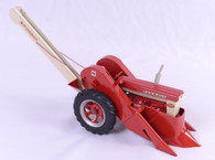 1/16 Farmall 560 with Picker Custom