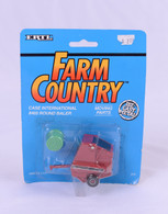 1/64 Case International 8465 Round Baler