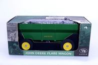 1/8 John Deere Wagon
