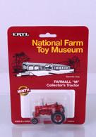 1/64 Farmall M National Farm Toy Museum