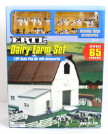 1/64 Ertl Dairy Farm Set