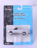 1:64 Ford F-350 Service Truck