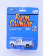1/64Case International GMC Extended Cab Dual Wheel Pickup