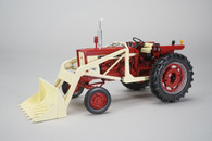 1/16 International 504 with loader and weights