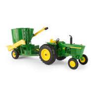 1/16 John Deere 3020 with grinder mixer