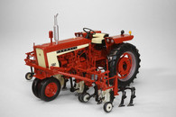1/16 Farmall 504 with cultivators