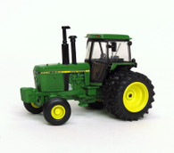 1/64 John Deere Authentics #4 4450