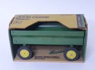 1/16 John Deere Wagon