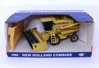 1/32 New Holland TR 97 Combine