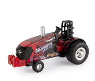 1/64 Case IH Flames Pulling Tractor