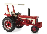 1/16 IH 666 Tractor with Fender Radio