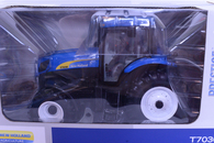 1/16 New Holland T7030