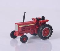 1/64 International Tractor
