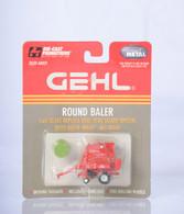 1/64 Gehl 2580 Round Baler