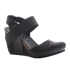 OTBT Rexburg- Women's Wedge with contrast elastic band- Black texture and black elastic