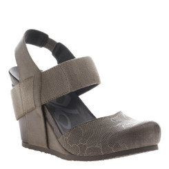 OTBT Rexburg- Women's Wedge with elastic band- Brown Grey color with same color elastic, Textured leather