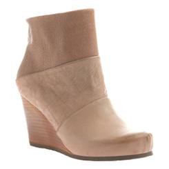 a5586e982a3 Side View. Women Shoes Online