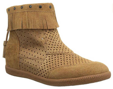 Quarter Side View. Women Shoes Online, Women's Shoes, Women's Boots. OTBT Stanton, Hidden wedge moccasin suede bootie. Fringe, tassel, gum sole, back zipper. Color Tuscany (khaki)